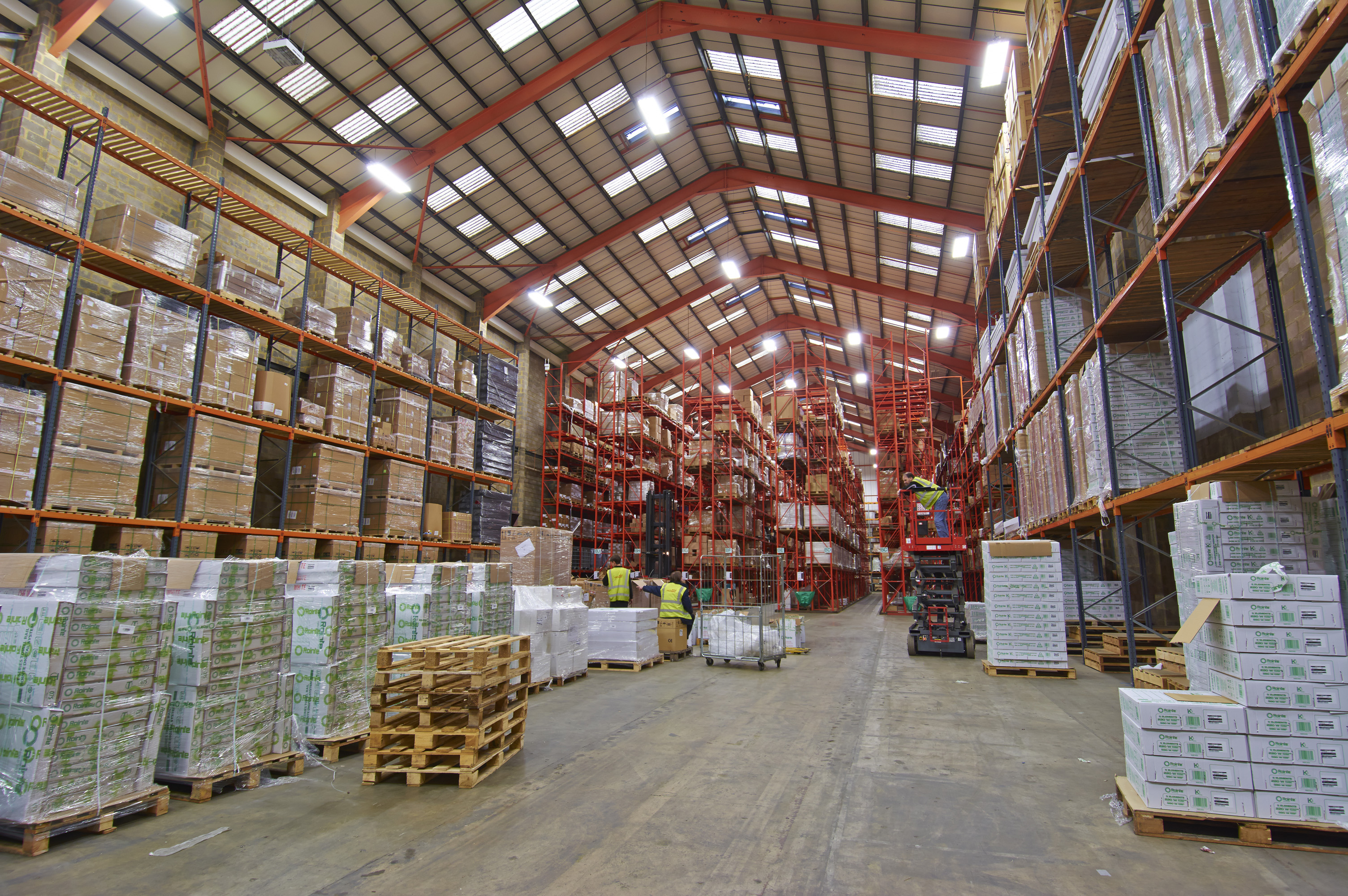 Warehouse With After T5 Lighting Installation Chalmor